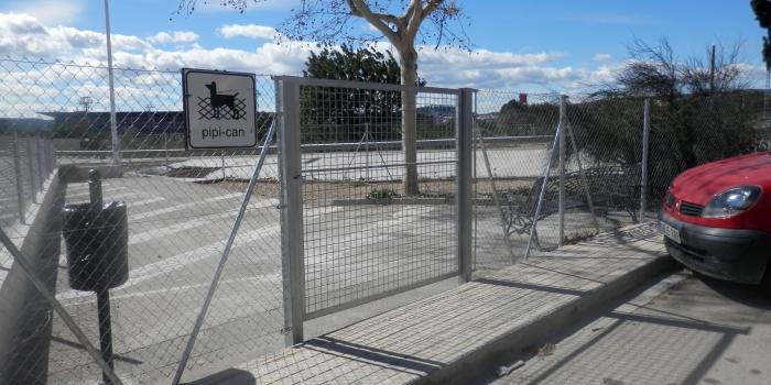 Puerta abatible de malla electrosoldada, abatible